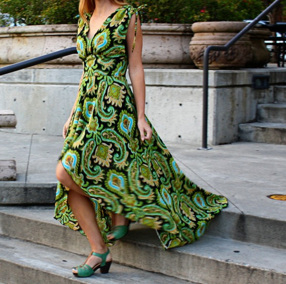 peacock dress moving